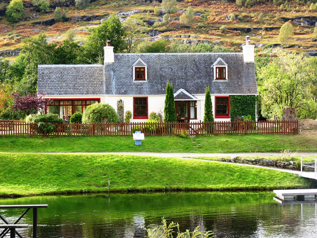 Old Lock Keepers Cottage - Fort Augustus & South Loch Ness
