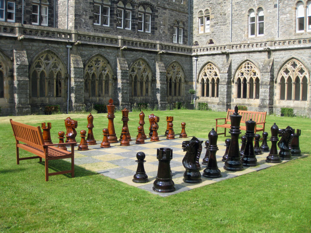 Play chess in the cloisters