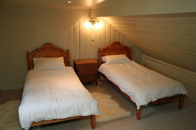 Upstairs twin bedroom
