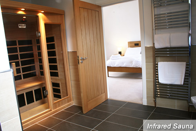 Master ensuite with sauna