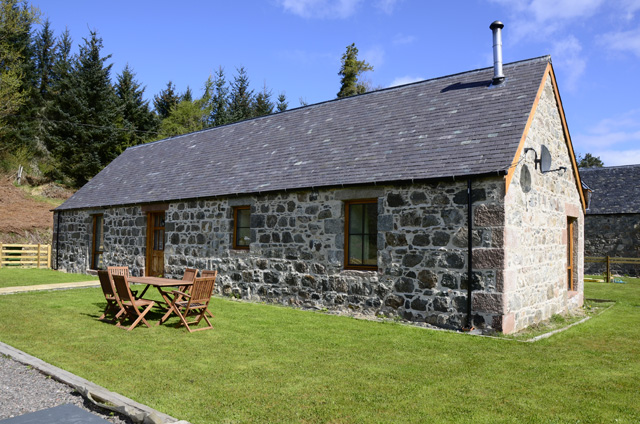 Cameron's Cottage - Fort Augustus & South Loch Ness