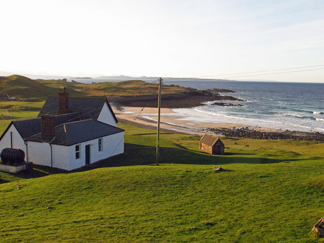 Stoer Lodge enjoys a shoreline location