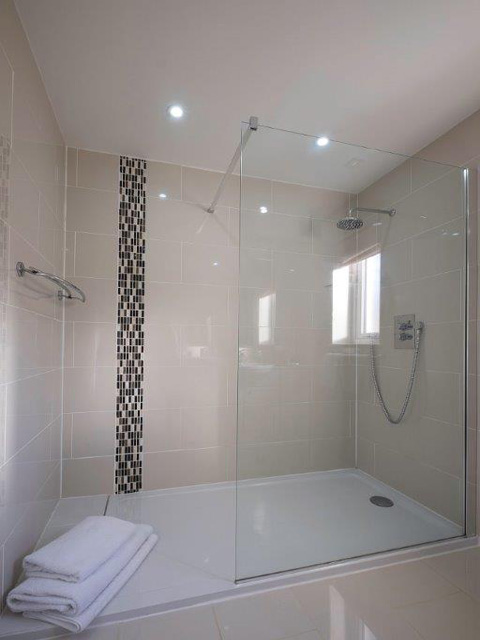 En-suite to double bedroom