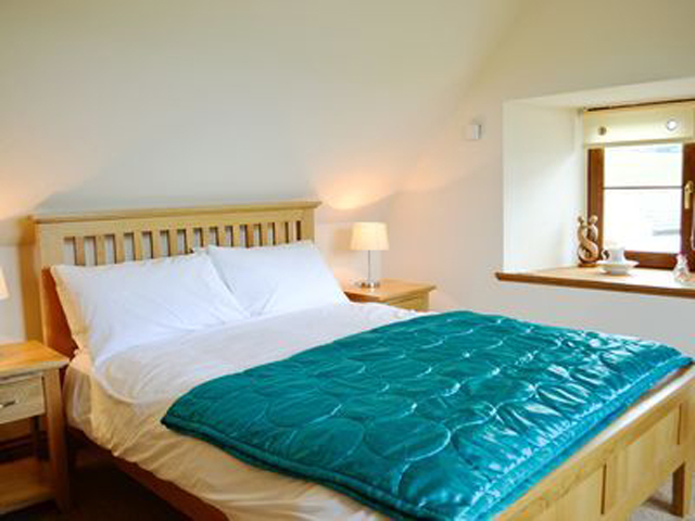 Double Bedroom - Drumfad Cottage
