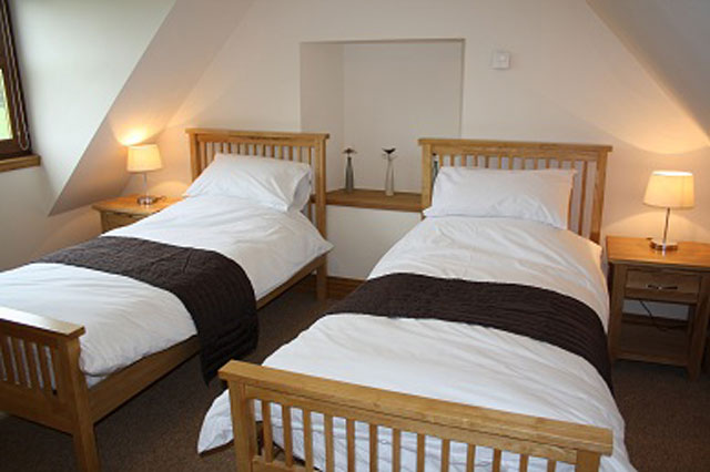 Twin Bedroom - Drumfad Cottage