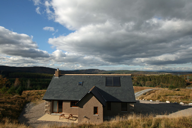 Carn Loch Cottage