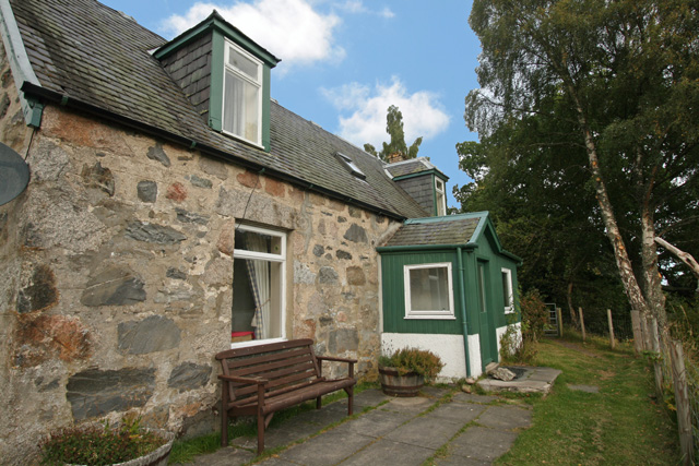 Loch Cottage - Cairngorms National Park